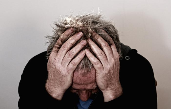 EHBO-behandeling hoofd